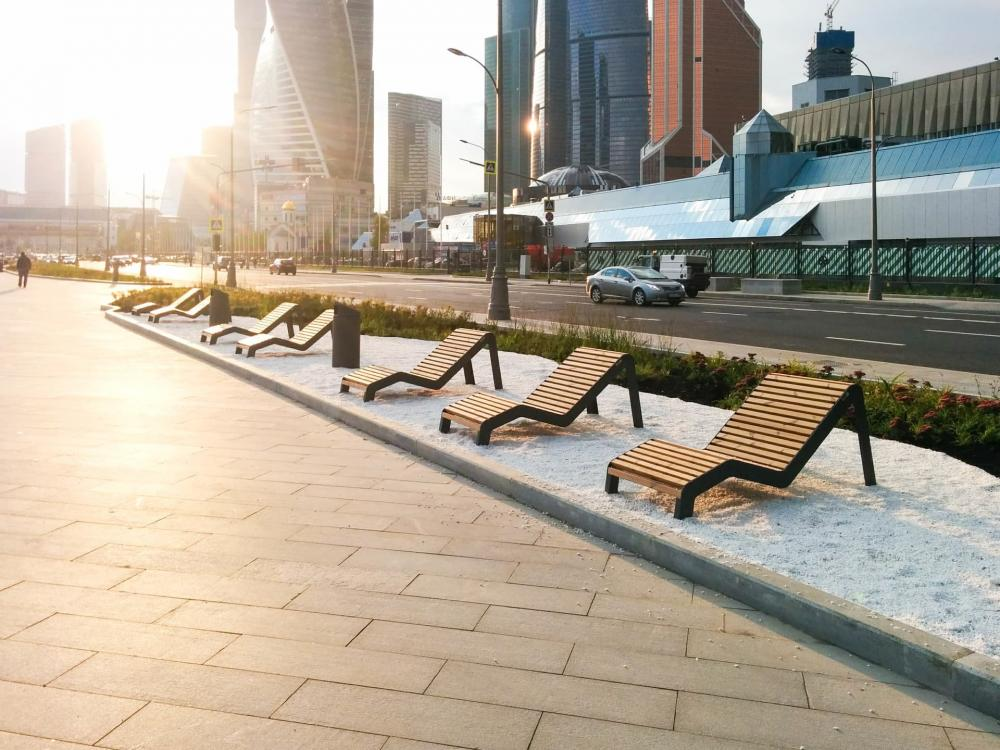 The value of urban parks and features of their arrangement.